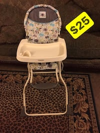 baby's white and gray floral high chair Bakersfield, 93305