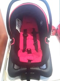 baby's black and pink car seat carrier Montréal, H3C