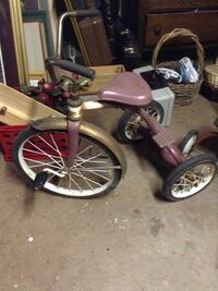 brown and gray trike