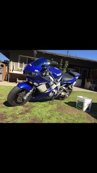 Blue and black yamaha sports bike Santa Ana, 92705