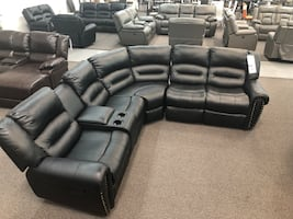 New Reclining Sectional Set. Black Leather. Delivery included