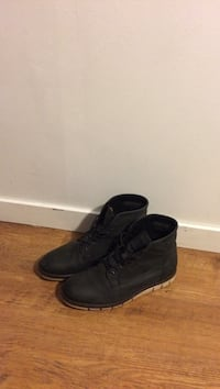 Pair of black leather boots Vancouver, V5N 2C9