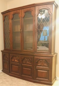 WOOD CABINET EXCELENT CONDITION Vancouver