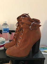 Pair of brown suede chunky heeled booties Chicago, 60613