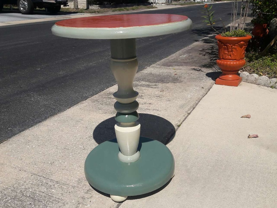 Used round pub table in pinellas park for Table 52 parking