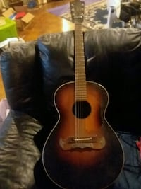 ****PRICE NEGOTIABLE ****** Child size acoustic guitar Holly, 48442