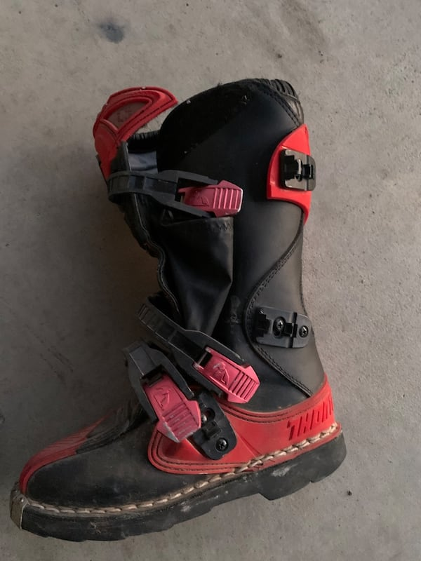 Used Thor Kids Dirt Bike Boots Size 2 For Sale In Valley Springs