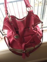 Pink leather 2-way handbag 卡尔加里, T2X 0N9