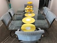 Beautiful glass dining table with chairs Leon Valley, 78240