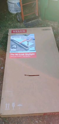 24x46 inch velux curb mount skylight ( fixed) Commerce City, 80022