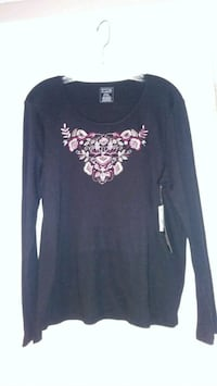 Womens XLP. long sleeve shirt w Embroidered Front. NEW W/ TAGS