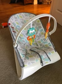 Baby's white and green bouncer Walnut Creek, 94596