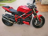 red and black Yamaha sports bike Miami, 33168