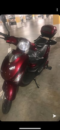 Moped Gio Electric
