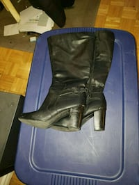 pair of black leather boots Toronto, M1W 2Y6