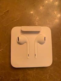 Apple headphones 539 km