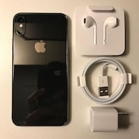 Apple iPhone X  with charger and earpods Montreal