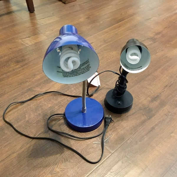 2 Desk Lamps- Bulbs included