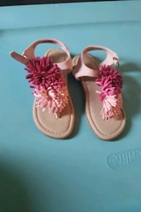 Beautiful toddler sandals size 8C Kitchener