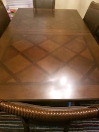 7pc dinning table with expendable par Milton, L9T