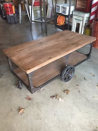 Coaster coffee table Suitland, 20762