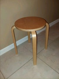 Blond Brentwood table, excellent condition  Orange Park, 32073