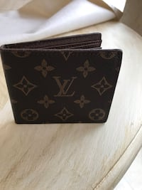 Louis Vuitton Walet Perry Hall, 21128