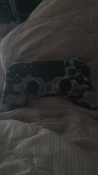 PS4 controller perfect condition  Stone Mountain, 30083