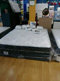 black and white bed frame Long Beach, 90805