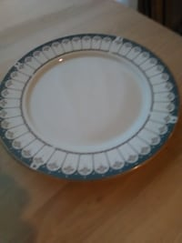 "Farberware Ardsley 9"" Serving Plate. Great Shape No Chips. Pick up in North Hagerstown MD Orchard Hills"