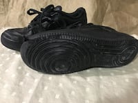 Nike running shoes black size 6 Vaughan, L4H 0C8