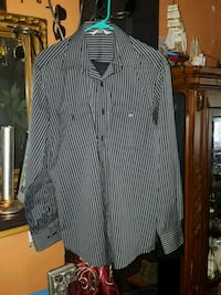 Dress shirt size medium  Calgary, T2E 1P1