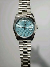 round silver-colored analog watch with link bracelet Toronto, M3H
