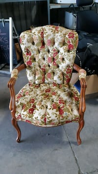 French provincial chair Welland, L3B 5K8