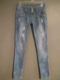 ***ALMOST FAMOUS SIZE 1 SKINNY JEANS!*** Dallas