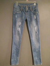 ***ALMOST FAMOUS SIZE 1 SKINNY JEANS!***