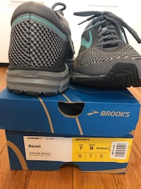 Brooks Revel size 7 women's