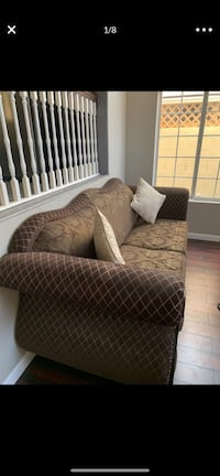 Sofa/couch and love seat set brown  Las Vegas, 89147
