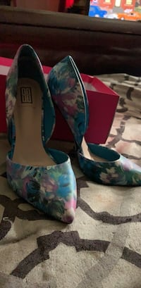 8.5 never worn pumps Brookeville, 20833