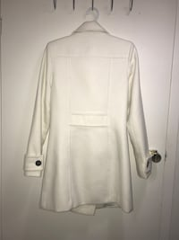 Women's white coat 562 km