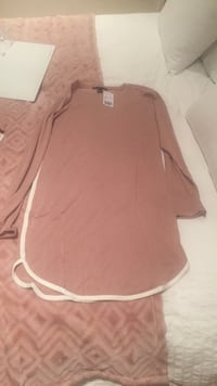 New forever 21 dress in nude colour. Size: L