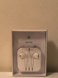 Apple EarPods  3121 km