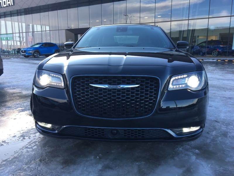2018 Chrysler 300 1