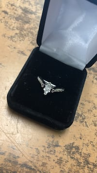 silver diamond ring with box Anniston, 36201