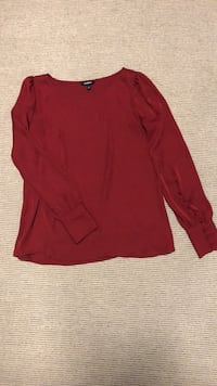 Silky red blouse Vaughan, L6A 1Z1