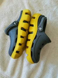 Toddler boys crocs water shoes sz 8/9 Chicago, 60652