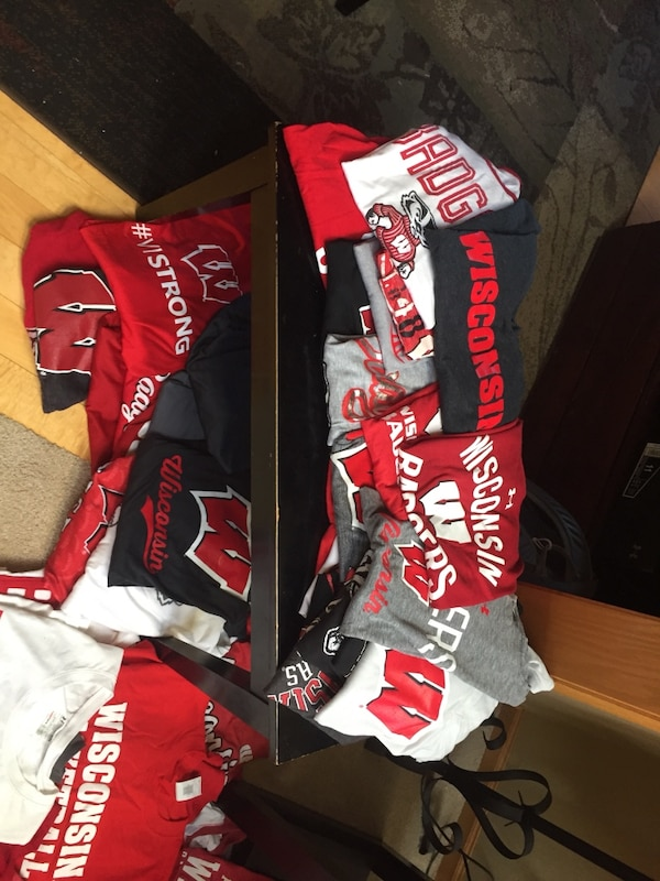 c7667a4c92327 Used A HUGE bundle of Wisconsin Badger gear for cheap!!! Men s sizes ...