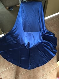 Navy blue satin 108 in. round table cloths (2 total) Mount Holly Springs, 17065