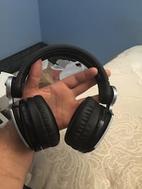 PS3 headphones. Use for gaming or music perfect condition Shaker Heights, 44120