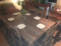 Rustic 6 chair table.   Excellent condition     Must sell quick Groves, 77619
